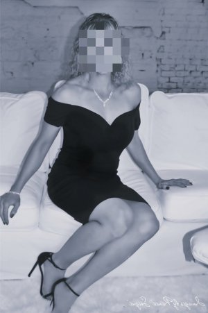 Norene escort girl in Fort Smith