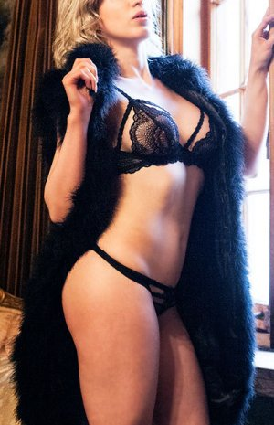 Chahinesse incall escorts in Martinez