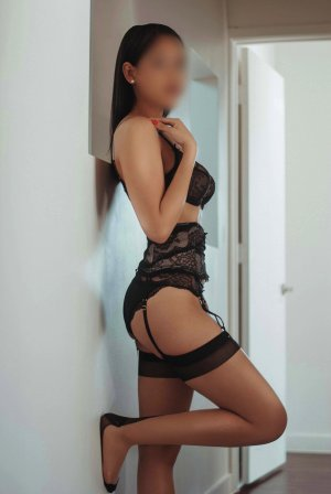 Cezarine ebony escort girl